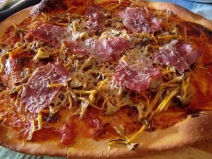 camagrocs recetas - pizza de camagrocs y jamón serrano